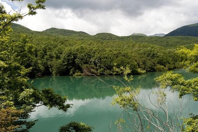 alfedena lago montagna spaccata