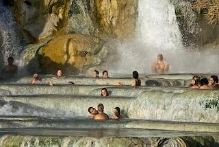 Benessere e bagni senza pagare: un giro per le terme gratis in Italia