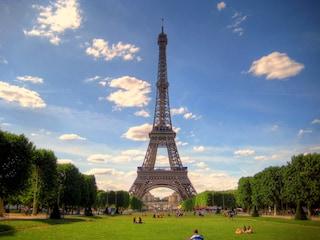 Torre Eiffel: romanticismo a 324 metri sopra Parigi [GUIDA e FOTO]