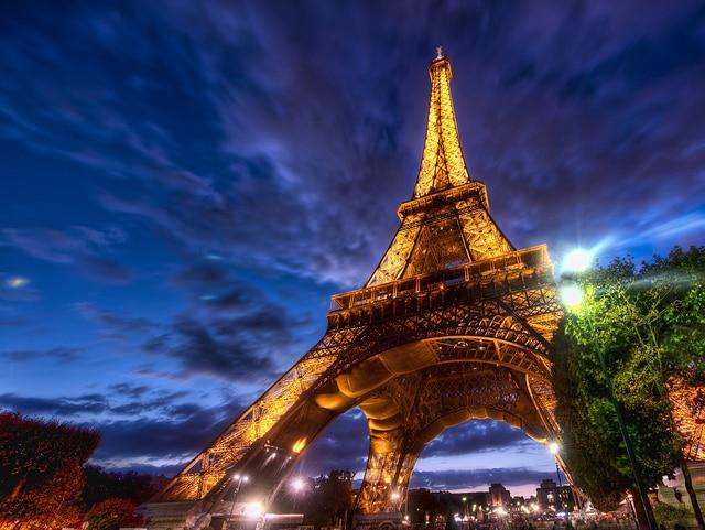 Torre Eiffel di sera