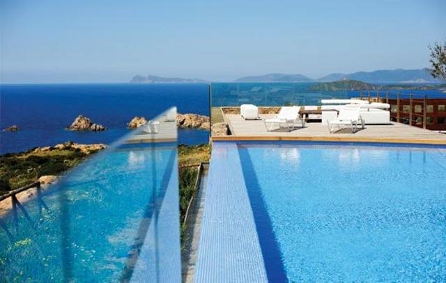 Faro Capo Spartivento, la piscina