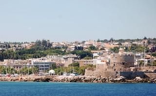Divertimenti e vita notturna a Rodi, in Grecia, sulle spiagge del Dodecanneso