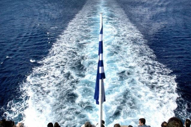 Passeggeri sul traghetto da Andros, Grecia