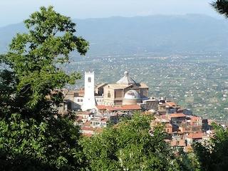 Guida ai Castelli Romani - tra i Colli Albani vino, cultura e paesaggio
