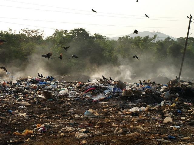 Discarica in un villaggio dell'India