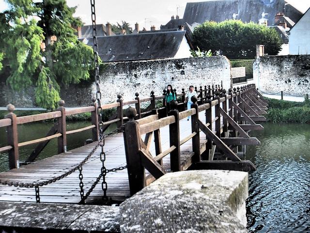 ponte di Sully