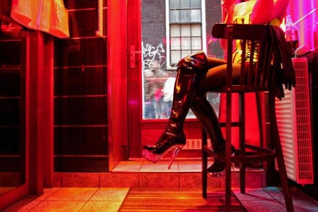 L'Erotisch Museum si trova a De Wallen, il quartiere a luci rosse di Amsterdam. Insomma, certe cose non si fanno a caso.