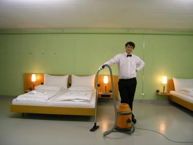 Null Stern Hotel, maggiordomo