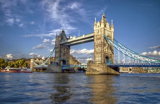 Visitare il Tower Bridge e la Torre di Londra nel borough di Tower Hamlets