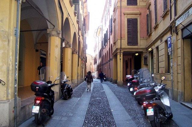 Via del Pratello a Bologna