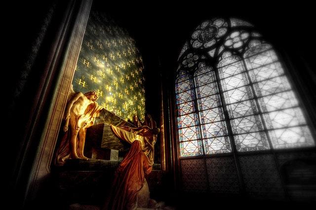 Interno di Notre Dame de Paris