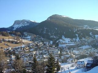 Sci e neve a Ortisei: l'Alpe di Siusi e le Dolomiti in un panorama unico