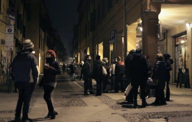 Via del Pratello di notte, Bologna
