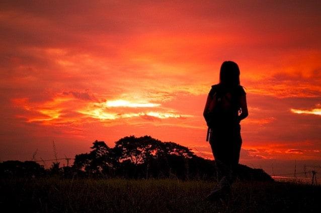 Ragazza solitaria
