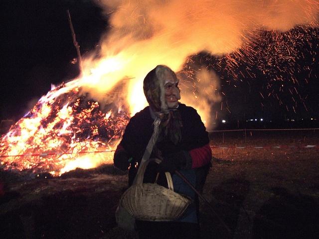 brucia la vecchia