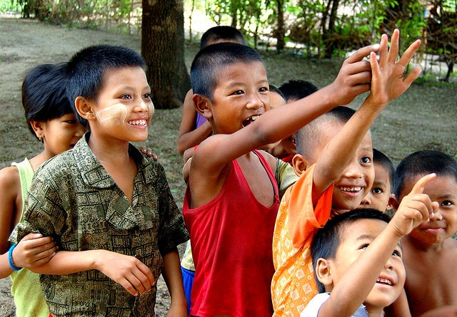 Bambini in Myanmar