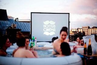 Al cinema-piscina, sul tetto del palazzo (FOTO)