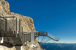 """""""La scalinata sul nulla"""", il ponte mozzafiato sulle Alpi austriache"""