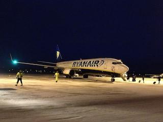 Ryanair, nuove regole e tariffe: secondo bagaglio a mano e multe meno salate