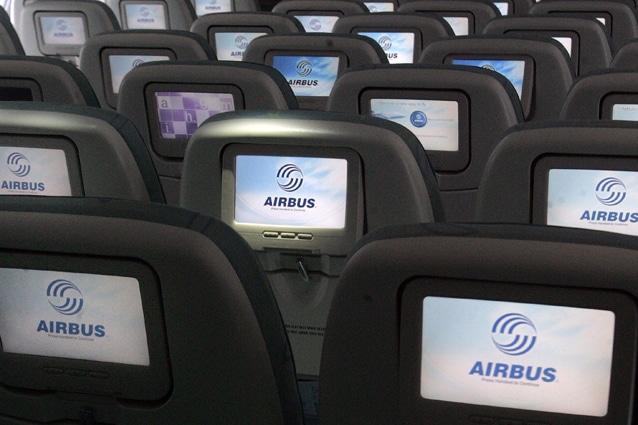 Economy class dell'Airbus A380 della Lufthansa