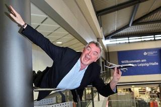 """""""Sesso orale gratis"""", quando Ryanair progettava il low cost intercontinentale (VIDEO)"""