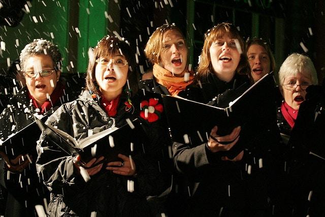 Col Natale a Londra cominciano i coriper le strade. Foto di BitchBuzz