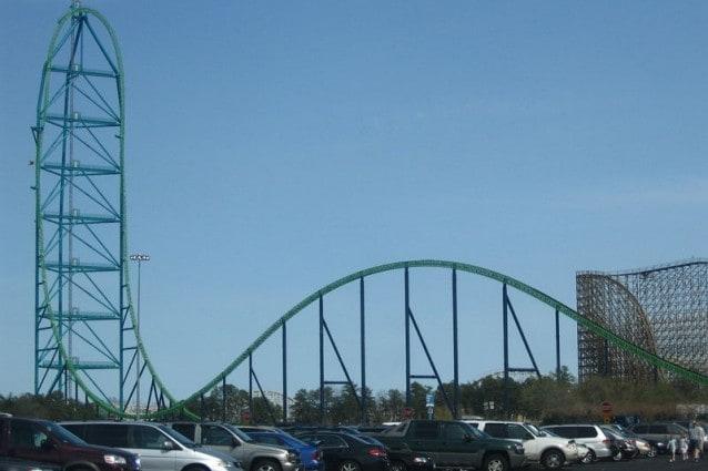Altezza che compete con le montagne russe di Six Flags Great Adventure, nel New Jersey, le più alte al mondo.