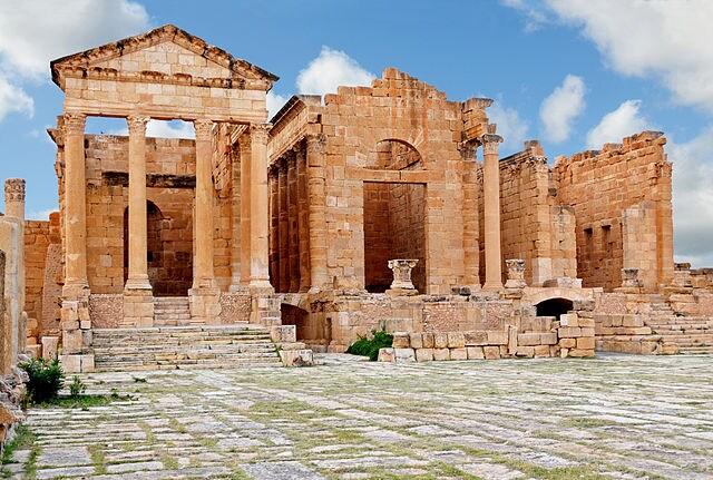 Sbeitla – Tempio degli Dei [Foto di Wikimedia Commons]