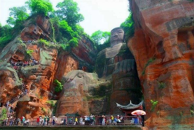 Buddah gigante di Leshan, Cina