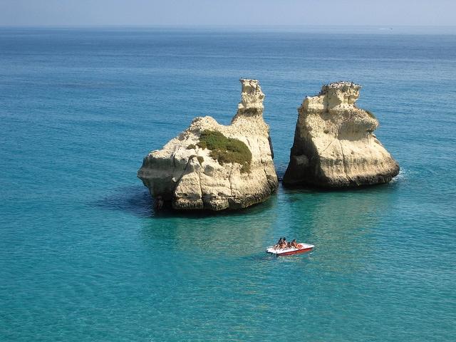 """Torre dell'Orso, le """"Due Sorelle"""" [Foto di Lino M]"""