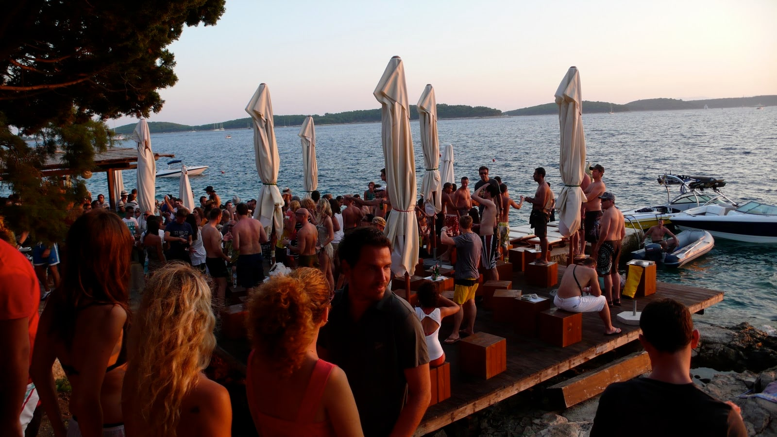 Carpe Diem Club, Hvar