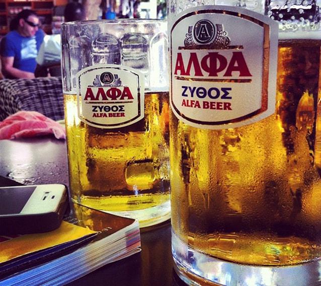 Birra greca (Foto di Carlo Ciccarelli).