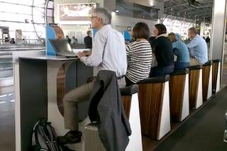 Ecco l'aeroporto in cui ricarichi il cellulare pedalando