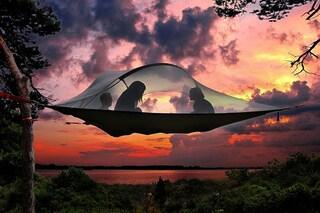 La tenda sospesa: quando il campeggio spicca il volo (FOTO/VIDEO)