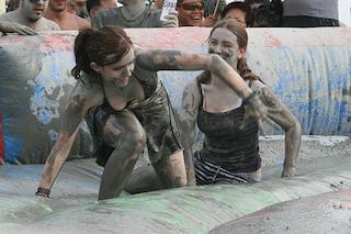 A luglio la Festa del fango: sporcarsi è un piacere (FOTO/VIDEO)