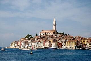 Rovigno, il romanticismo sospeso sul mare