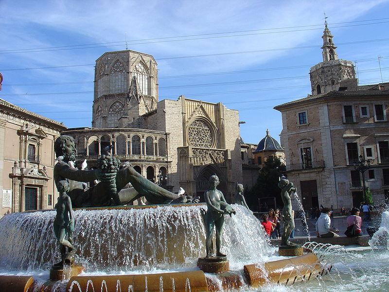 Plaza de la Virgen – Foto di Michael Buze