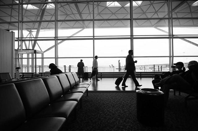 Volare sull'aeroporto di Stansted. Foto di Udey Ismail