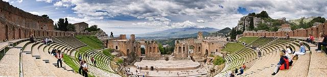 Il teatro greco–romano di Taormina. Foto di Bart Hiddink