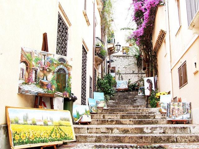 Vicolo del centro di Taormina. Foto di gnuckz