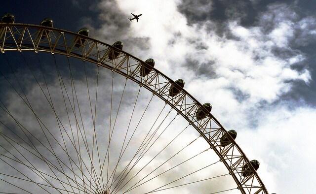 Volare su Londra. Foto di Shaury Nash