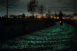 """In bici sulla """"Notte stellata"""" di Van Gogh (VIDEO/FOTO)"""