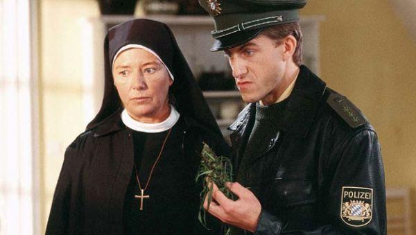 un ciclone in convento
