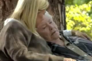 Stephanie Forrester muore a Beautiful tra le braccia di Brooke (VIDEO)
