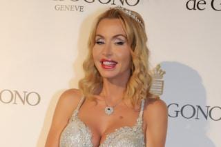 """Valeria Marini: """"In arrivo una docu-fiction sul mio matrimonio"""""""