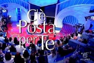Programmi tv di stasera 15 febbraio: Una storia da cantare su Rai Uno e C'è posta per te su Canale 5