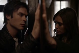 A The Vampire Diaries 6x06 l'incontro choc tra Damon ed Elena (FOTO/VIDEO)