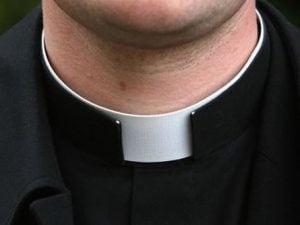 Abusi su un ragazzino di 15 anni: indagato un giovane prete di Enna