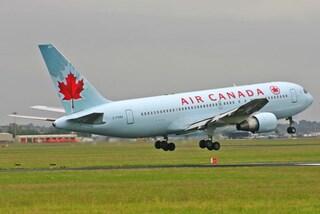 Turbolenze in volo, aereo Air Canada deviato alle Hawaii: decine di passeggeri feriti