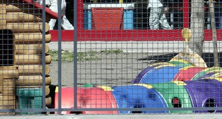 Urla e schiaffi ai bimbi dell'asilo: maestra 46enne arrestata dai carabinieri a Villafrati
